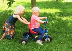 Twee nichtjes bij het Buytenhof